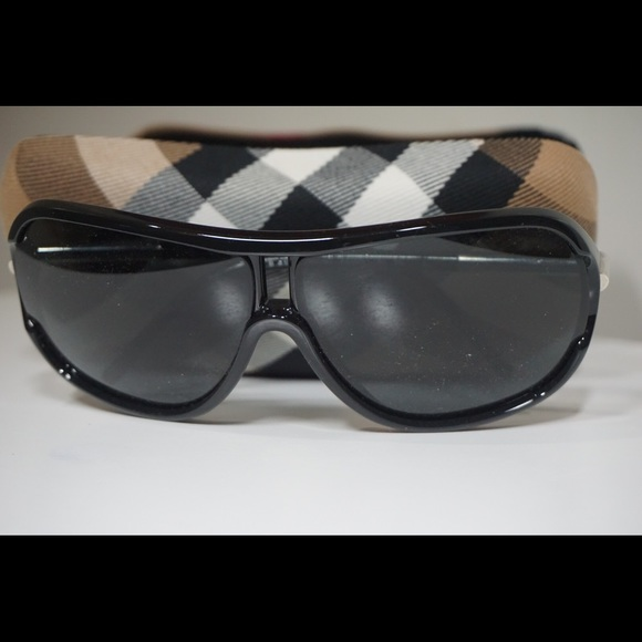 61a3912360 Burberry Other - PREOWNED MEN BURBERRY SUNGLASSES